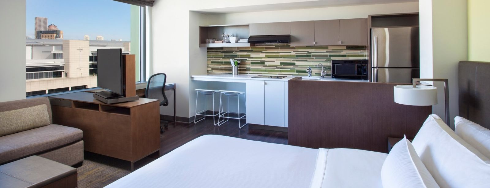 Seaport Accommodations - Accessible Room